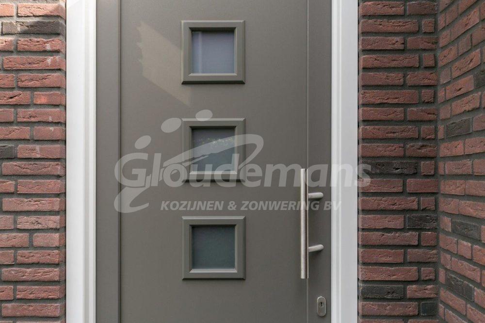 Gloudemans Kozijnen & Zonwering - referentie Rijsbergen - kunststof voordeur